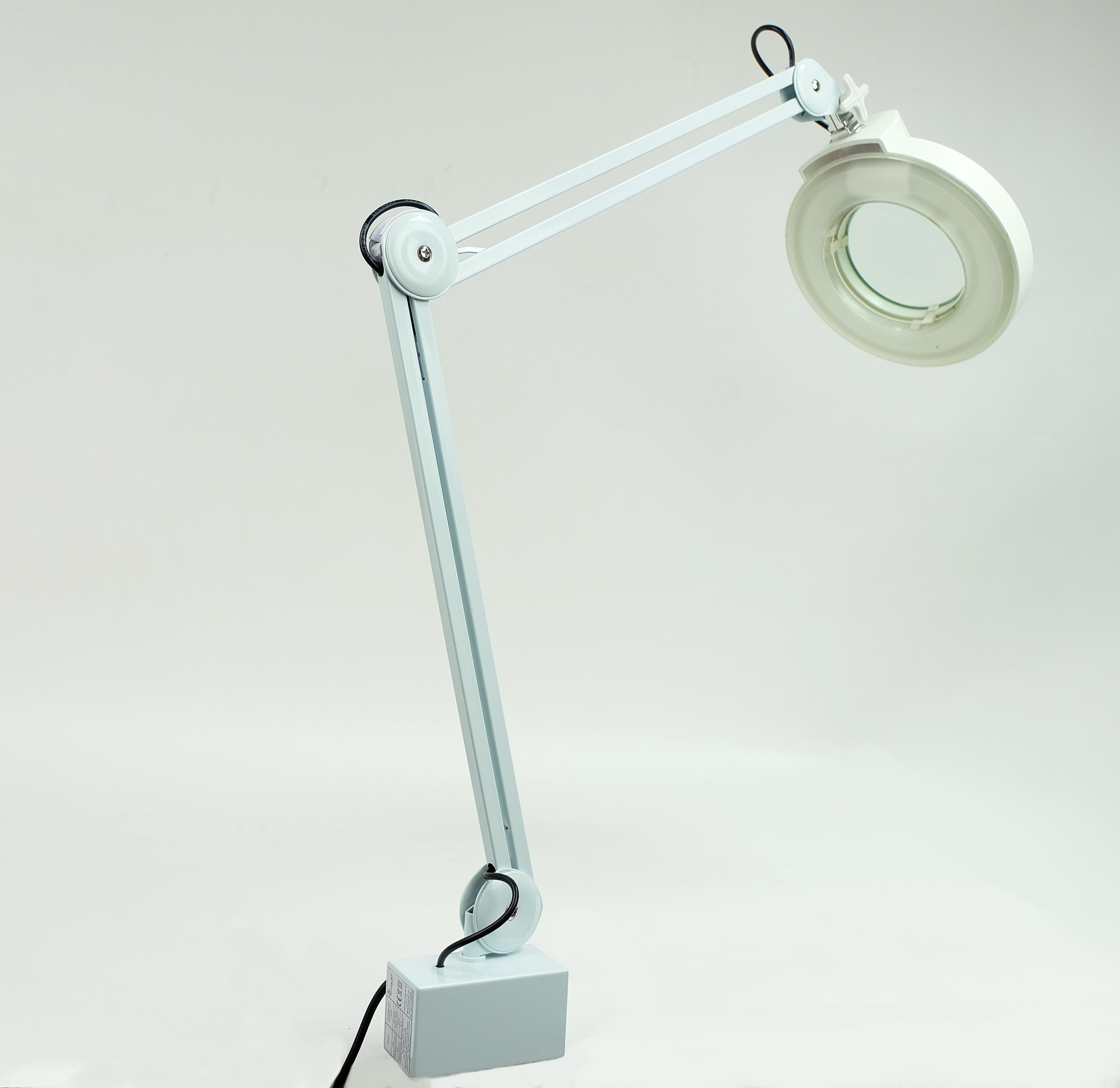 Лампа для маникюра с увеличительным стеклом