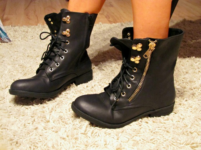 damen biker boots schn rer stiefeletten gold. Black Bedroom Furniture Sets. Home Design Ideas
