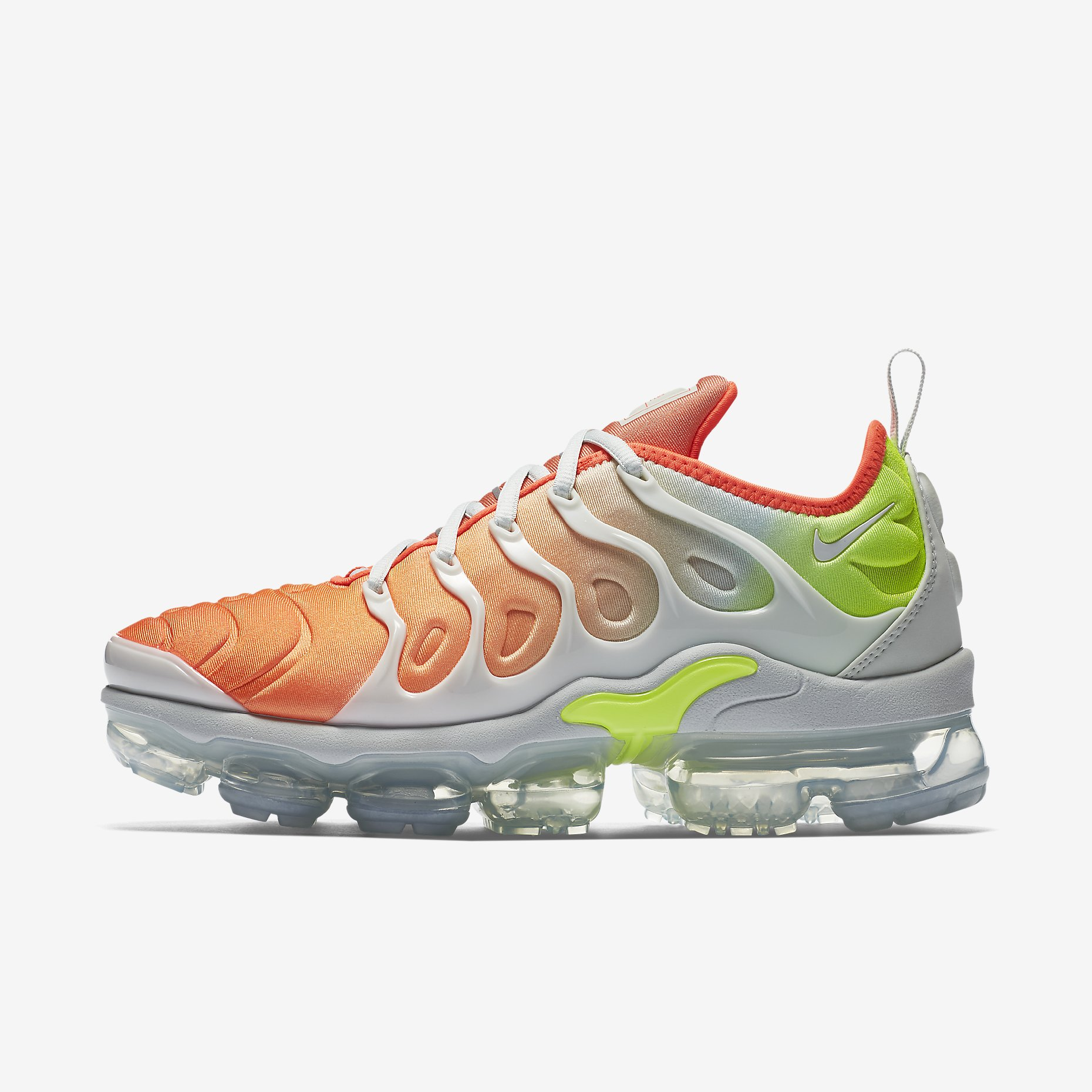 a26dc41738434 NIKE WMNS AIR VAPORMAX PLUS AO4550-003 BARELY GREY TOTAL CRIMSON ...